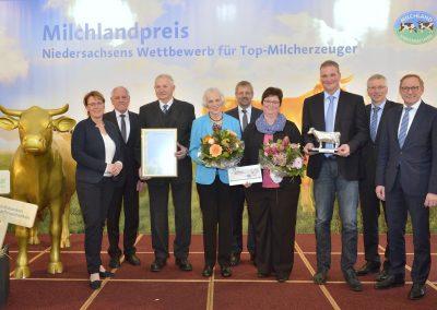"""Die Gewinner der """"Silbernen Olga"""": Familie Rothert aus Wittmund"""