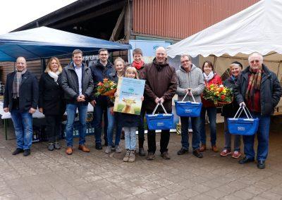 Hofschildübergabe bei den Gewinnern der Milchhof Reeßum KG im Landkreis Rotenburg/Wümme