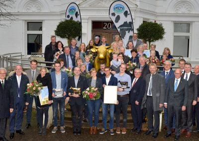 Alle Gewinner und Redner bei der Preisverleihung am 6. Dezember 2019 in Bad Zwischenahn.