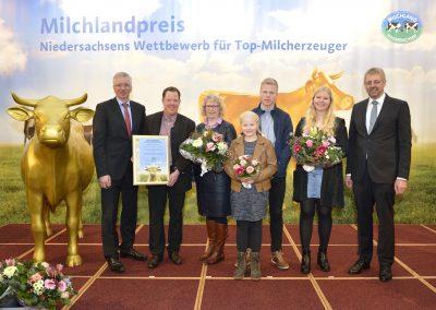 Der Familienbetrieb Lüschen-Strudthoff aus Hatten-Tweelbäke Ost im Landkreis Oldenburg freute sich über die hohe Auszeichnung.