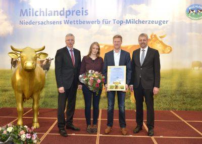 """Die Sandmann GbR aus Surwold im Kreis Emsland wurde ebenfalls als """"Bester Milcherzeuger Niedersachsens 2019"""" ausgezeichnet."""