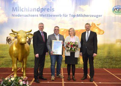 """Familie Schröder aus Worpswede im Landkreis Osterholz gehört ebenfalls zu den """"Besten Milcherzeugern Niedersachsens 2019""""."""