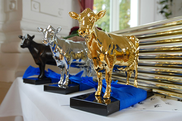 Olga-Statuen Gold, Silber und Bronze